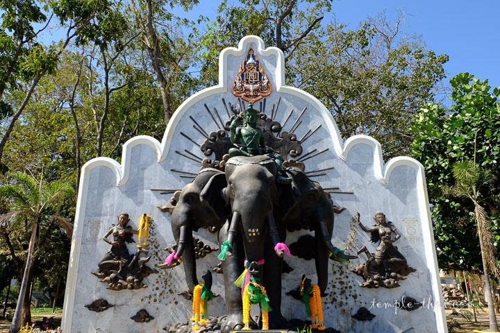 Indra chevauchant sa monture Erawan