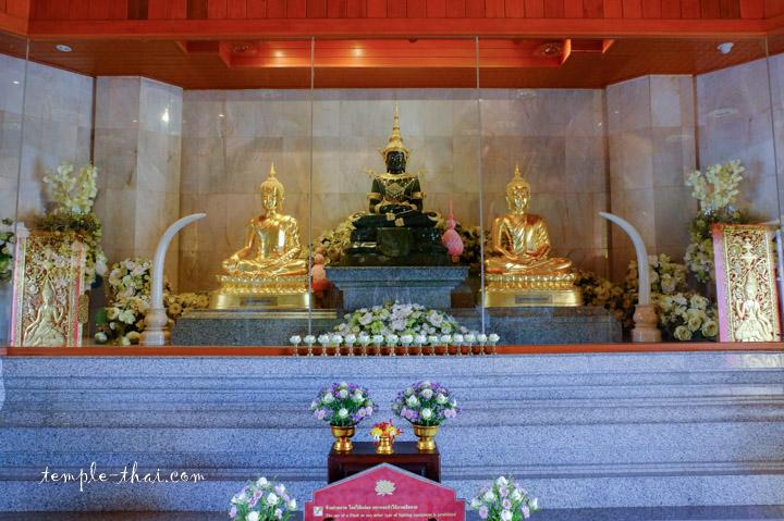 Réplique de célèbres bouddhas