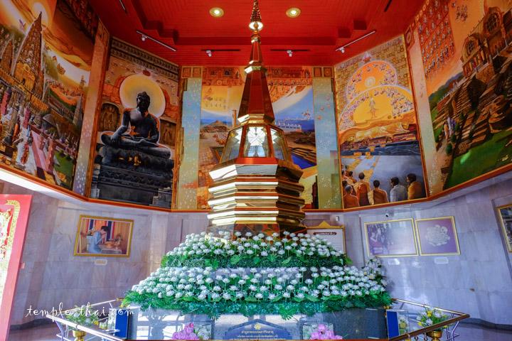 Le stupa intérieur accueillant les reliques sacrées du Bouddha