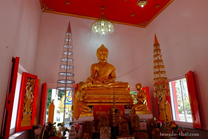 Luang Po Piyapakasit (หลวงพ่อปิยปกาศิต)