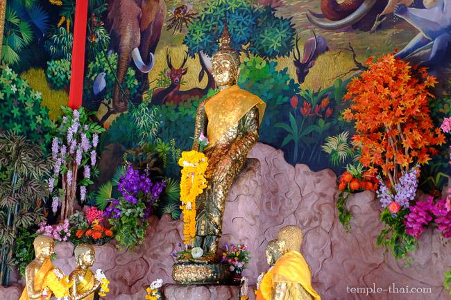 Luang Po Paleilaï (หลวงพ่อป่าเลไลยก์), au premier étage