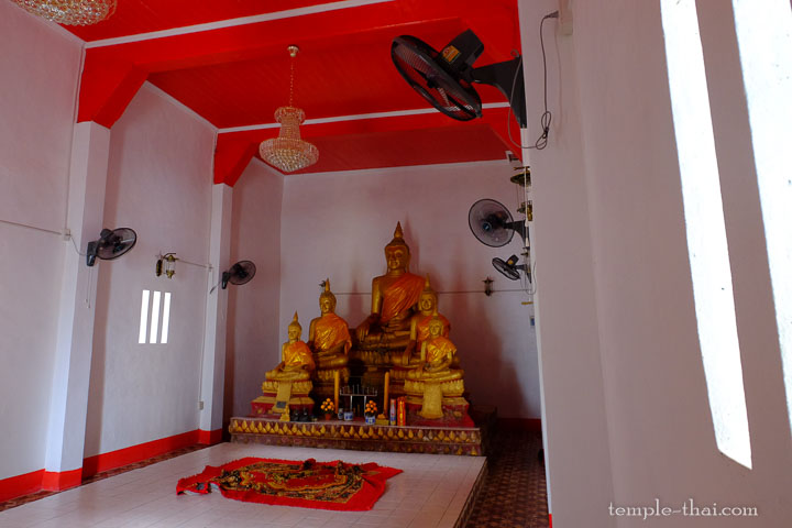 Les cinq bouddhas intérieurs