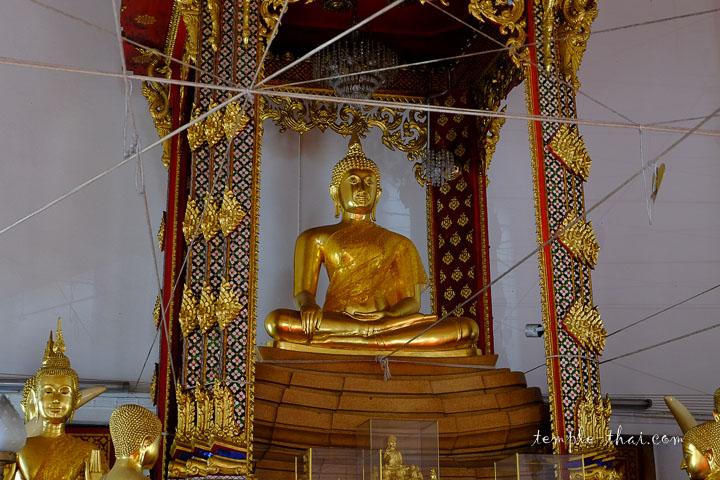 Luang Po Thong Kham (หลวงพ่อทองคำ)