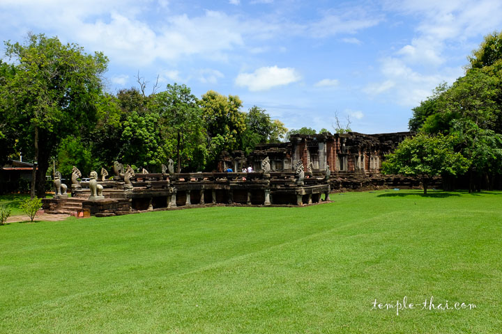 entrée du temple de Phimai