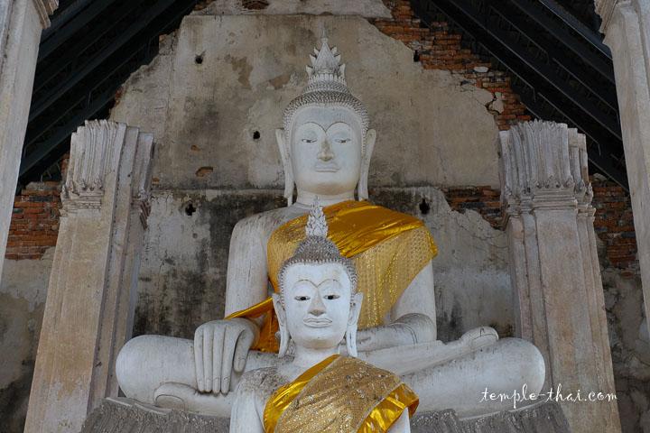 Deux bouddhas restaurés