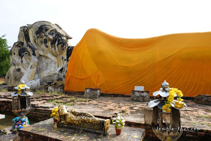 Le bouddha allongé et ses 42 mètres de long