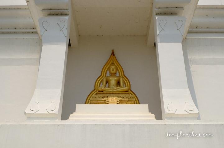 bouddha dans sa niche