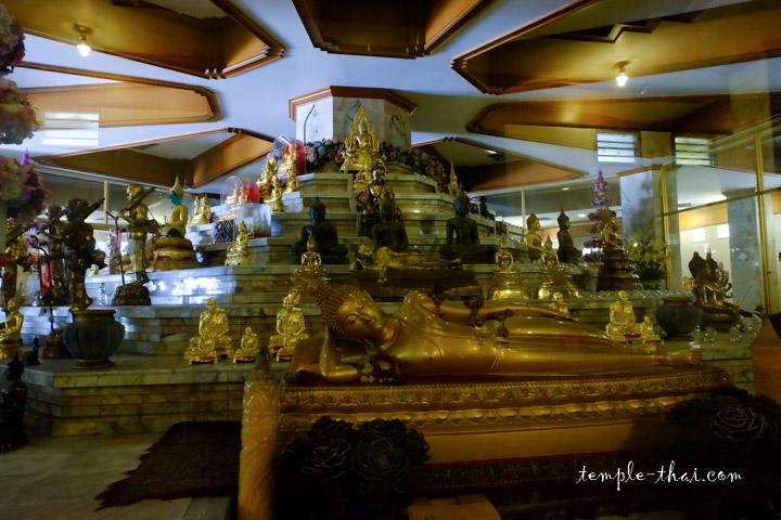 Le coeur de la pagode et ses statues