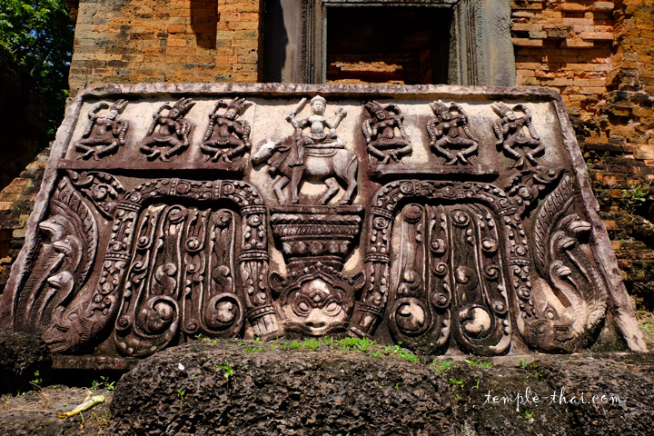 Linteau khmer représentant Shiva