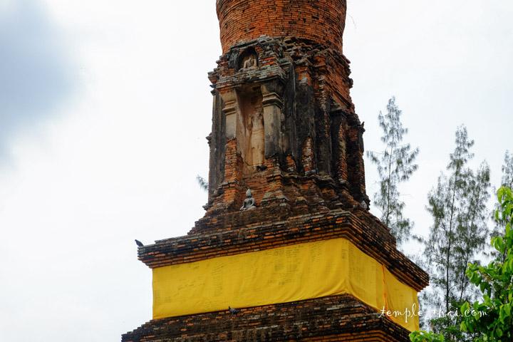 Haut-relief dans une niche du stupa