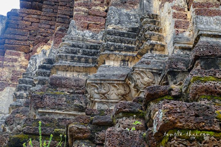 Bas-relief en stuc