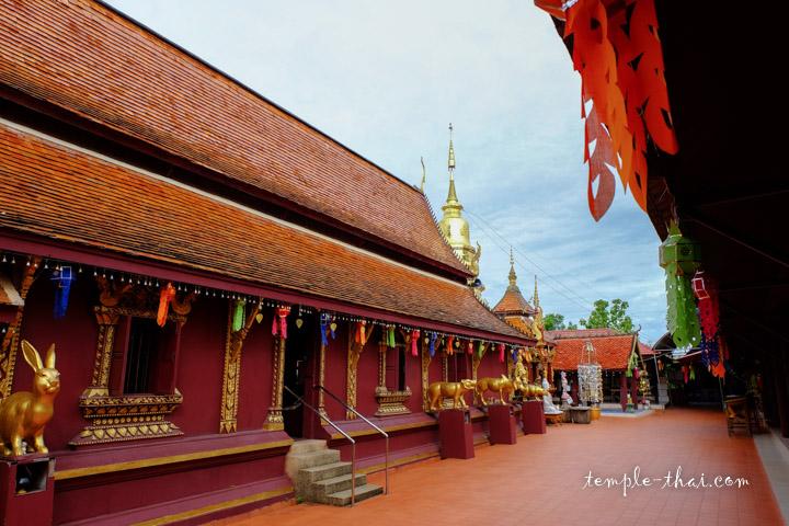 Le Viharn et son stupa dans la continuité