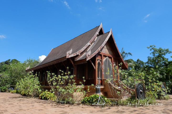 temple en bois