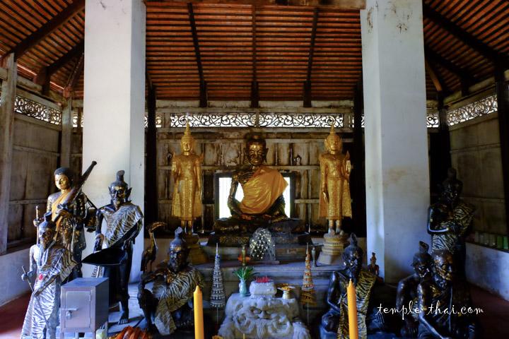 Siddartha Gautama dans sa phase d'ascétisme sévère