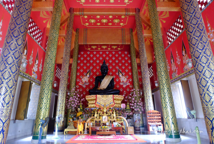 Le Viharn et son bouddha sacré