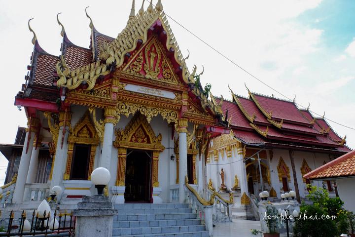 Wat Traiphum Tha Uthen
