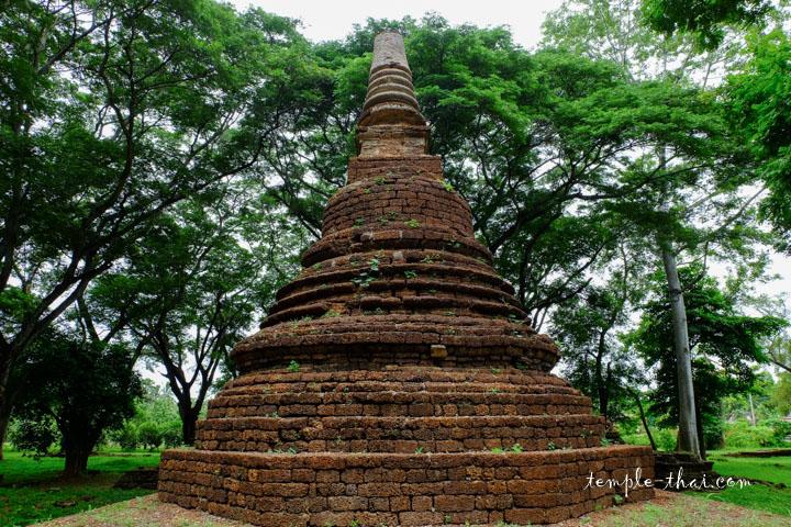 Stupa en latérite