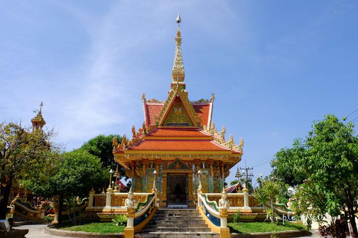 Pavillon en l'honneur de Luang Pu Man