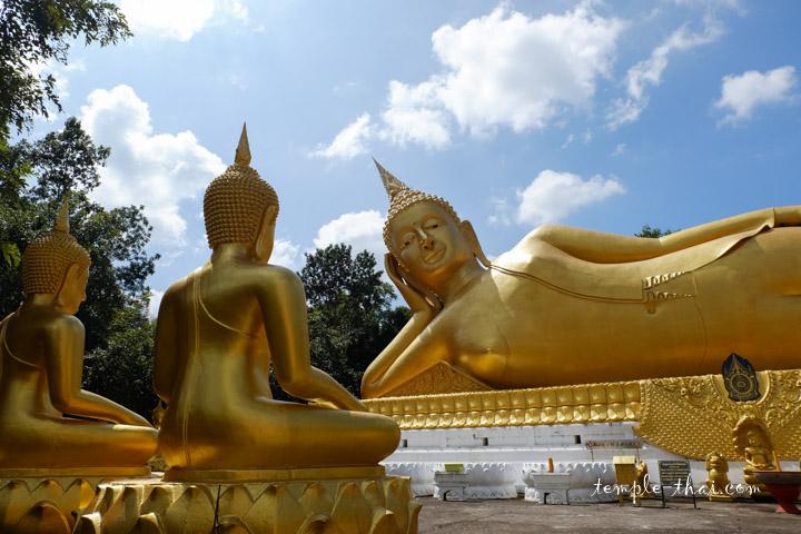 bouddha géant couché
