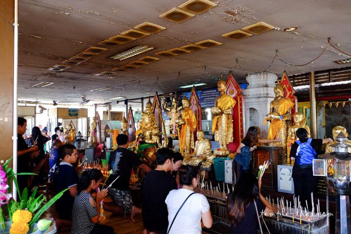 Chaque jour, le temple accueillent des miliers de personnes