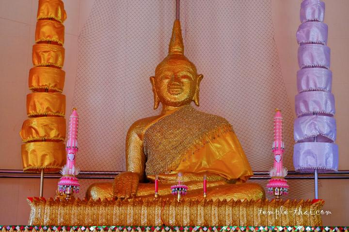 Luang Po Phra Yai (หลวงพ่อพระใหญ่)