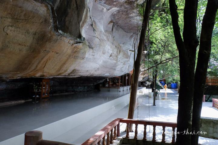 Wat Tham Champa Kantalasilawat