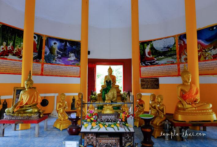 A l'intérieur du stupa