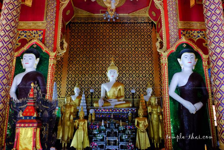 bouddha principal précédé de deux disciples