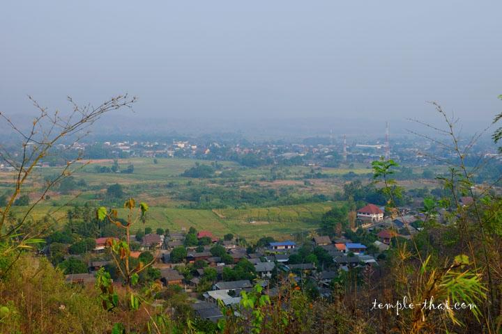 Panorama brumeux sur Mae Sariang