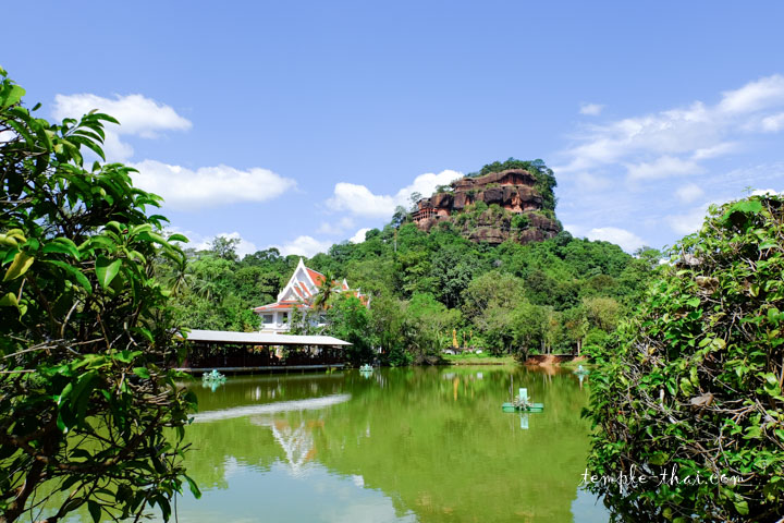 Wat Phu Thok