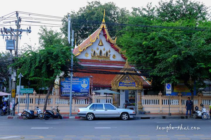 Edifice isolé du bouddha sacré
