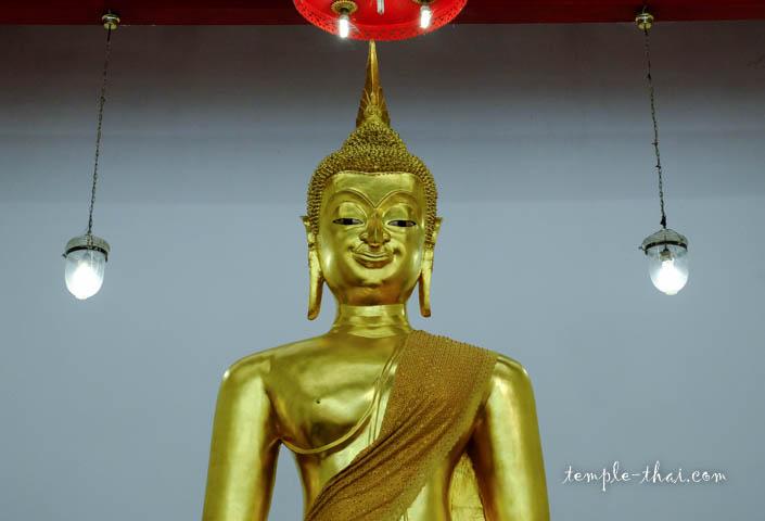 Luang Po Bot Bon (หลวงพ่อโบสถ์บน)