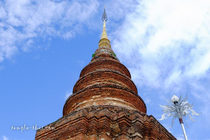 pointe finale du stupa