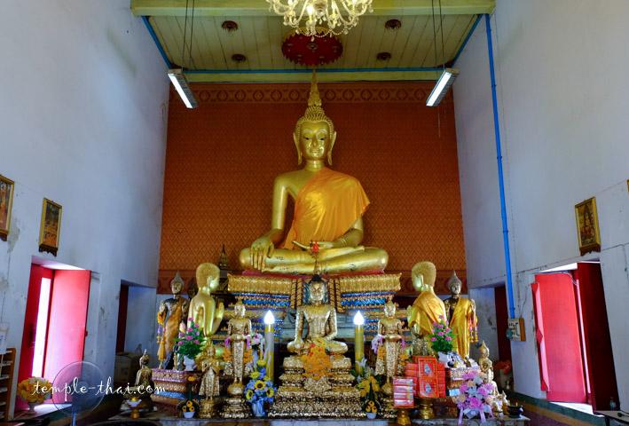 Luang Po To (หลวงพ่อโต)